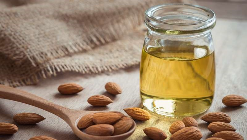 Principios activos en la cosmética:  aceite de almendra dulce
